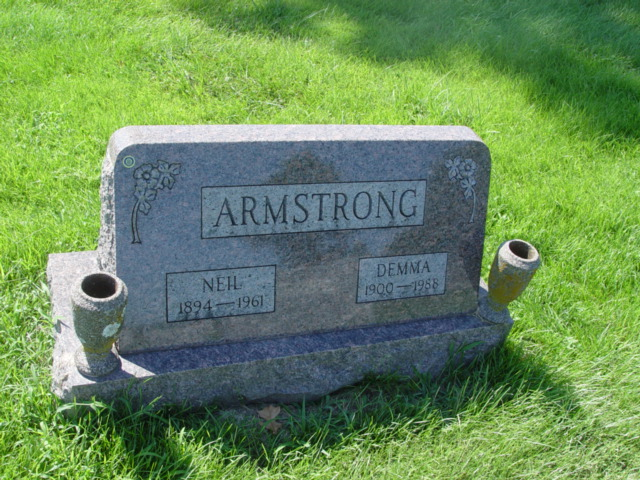 when did neil armstrong tombstone - photo #10